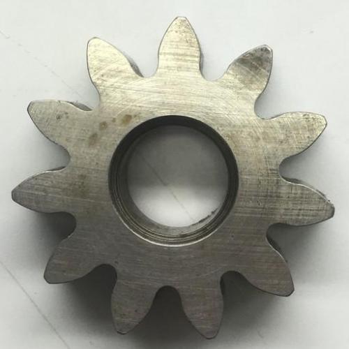 P/N: 6846814, Oil Pump Idler Gear Spur, Serviceable RR M250, ID: D11