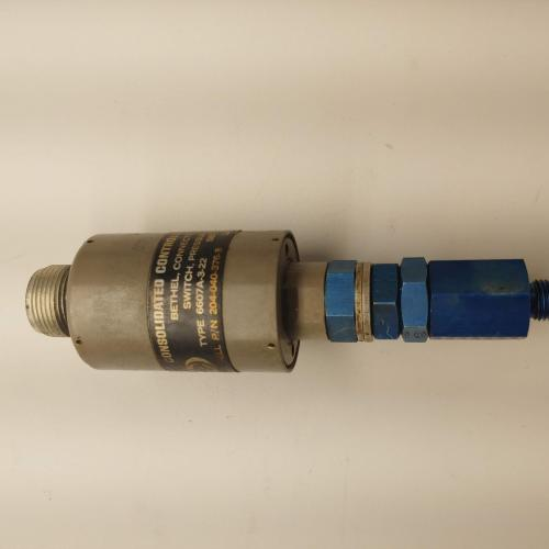 P/N: 204-040-376-003, Pressure Switch, As Removed BH, ID: AZA