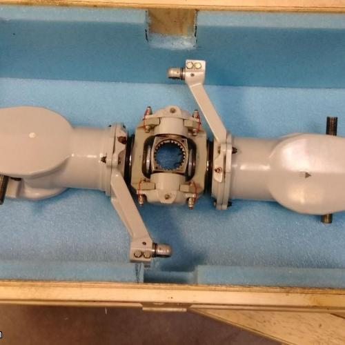 P/N: 206-011-100-157, Main Rotor Hub Assembly, S/N: HB301, Serviceable, Bell Helicopter 206